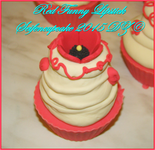 Red Funny Lipstick Seifencupcake